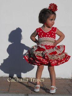 (32) Cachalla Trajes