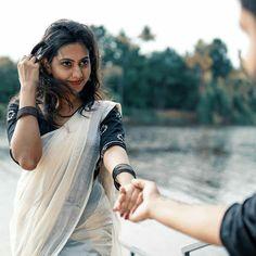 Kerala Wedding Saree, Kerala Bride, Kerala Saree, Romantic Couples Photography, Wedding Couple Poses Photography, Photography Poses Women, Saree Photoshoot, Wedding Photoshoot, Saree Poses