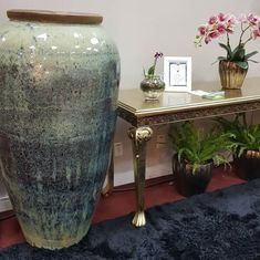 Vaso Vietnamita: +68 Modelos Grandes e Lindos Para Usar na Decoração Garden Makeover, Potted Plants, Planter Pots, Table, Projects, Diy, Furniture, Home Decor, Micro Farm