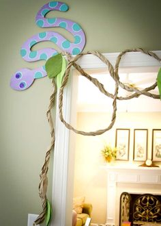 Christine B's Birthday / Pink Snake - Photo Gallery at Catch My Party 5th Birthday Party Ideas, Boy Birthday, Snake Party, Reptile Party, Backyard Birthday, Safari Decorations, Safari Party, Animal Party, Pink Snake