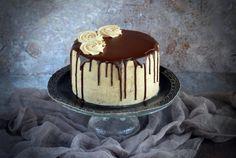 gesztenyetorta csurgatva Chestnut Cake Recipe, Smoothie Fruit, Mousse Cake, Naan, Cakes And More, Cake Designs, Cake Recipes, Pudding, Sweet