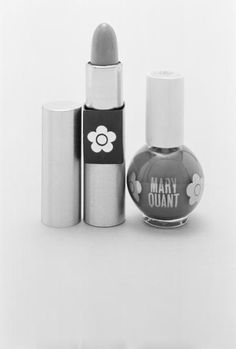 Mary Quant makeup Big time love for me early on. 60 Fashion, Fashion History, Vintage Fashion, Mary Quant, Vintage Makeup, Vintage Beauty, Vintage Packaging, Style Retro, Retro Vintage
