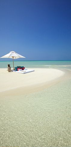 Kanuhura Beach...Maldives...PERFECT/ Would love to be here with my hubby!