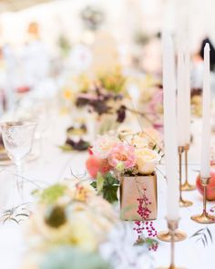 wedding table Flower Wedding Table Flowers, Floral Style, Candles, Table Decorations, Dinner, Inspiration, Instagram, Home Decor, Dining