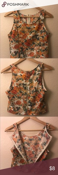 Crop top Cute floral crop top with zipper detail in the back of shirt. perfect for spring! Tops Crop Tops