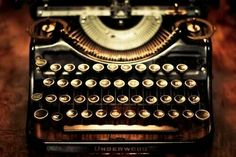 The last of my Underwood Typewriter images - promise. I wanted to showcase it's vintage beauty one last time with a bit of bokeh for HBW. Vintage Roses, Vintage Beauty, Vintage Stuff, Objets Antiques, Underwood Typewriter, Antique Typewriter, Corona Typewriter, Royal Typewriter, Ex Machina