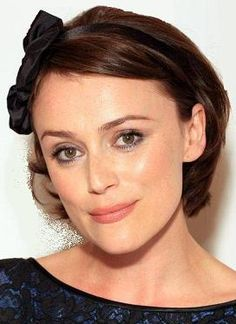 In this picture especially, Keeley Hawes looks very much like my imagined Claire.