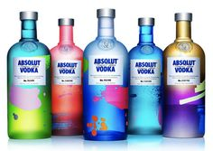 Absolut Vodka has just gone where no other spirit company has before, according to Spirits Business. The Swedish vodka company has managed to create a colorful line of limited edition bottles where every single bottle is different! Absolut Vodka Limited Edition, Triple Seco, Design Da Garrafa, Coca Cola, Branding, Bottle Packaging, Sleeve Packaging, Beverage Packaging, Bottle Labels