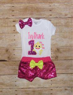 11 Best Ideas for baby shark birthday party girl tutu Peppa Pig Birthday Outfit, Unicorn Birthday Parties, Baby Birthday, Birthday Shirts, Birthday Ideas, Baby Shark Song, Baby Shark Doo Doo, Muppet Babies, Shark Party
