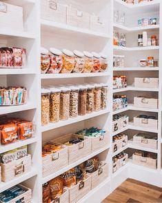 Pantry Organisation, Pantry Room, Kitchen Pantry Design, Pantry Shelving, Kitchen Organization Pantry, Home Decor Kitchen, Organized Kitchen, Shelving Ideas, Organization Ideas For Pantry