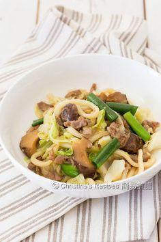 高麗菜肉絲炒烏冬 Pan-Fried Udon with Pork and Cabbage01