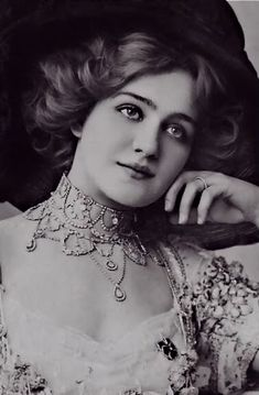 Click to learn how to do Edwardian Hair at American Duchess