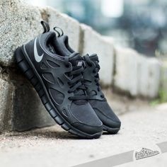 best sneakers 7dc06 82c0e Nike Free Run 2 (GS) Black  Cool Grey de precio increíble 74 € encontrarás  en Footshop.es!
