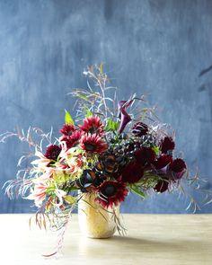 here is so much variety of color in flowers! Prom Flowers, Diy Wedding Flowers, Fall Flowers, Cut Flowers, Fresh Flowers, Beautiful Flowers, Flower Arrangements Simple, Vase Arrangements, Wedding Arrangements