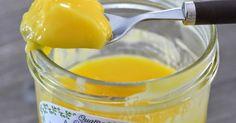Cette crème au citron accompagnera à merveille voscrêpes, gaufres ou plus simplement vos tartines et brioches du quotidien.  Je la fais au ... Dessert Simple, Thermomix Desserts, Easy Desserts, Agar Agar, Lemon Curd, Sprays, Paella, Gluten, Cookies