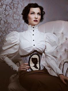 victorian inspired corset, blouse & skirt - Lovely, I want that blouse!