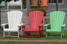 How to Paint Outdoor Furniture Painting Patio Furniture, Painted Outdoor Furniture, Lawn Furniture, Colorful Furniture, Furniture Design, Backyard Renovations, Outdoor Chairs, Outdoor Decor, Outdoor Landscaping