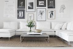 モノトーン基調のとてもシンプルなリビングに敷くことで、お部屋にナチュラルな柔らかさや温かみをプラスしています。パイルも長くないのでスッキリとした印象に仕上げてくれます。