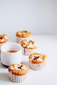 almond banana muffins