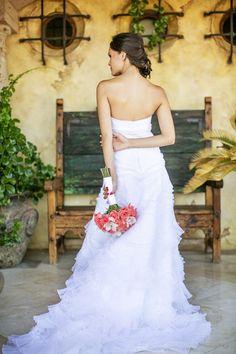 Perfect bridal pose! #wedding #photography
