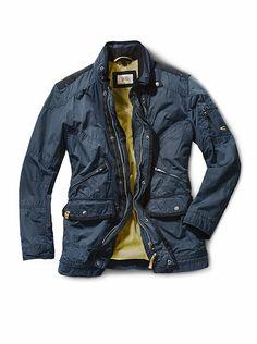 Funktionsjacke von CAMEL ACTIVE  Dauerhaft winddicht, wasserdicht und  atmungsaktiv  moderne GORE-TEX® Jacke mit vielen praktischen Taschen. Auch  in Schwarz. cc267b9abb