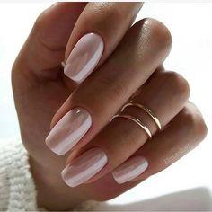 Image about style in Nails / Nail Polish / Vernis / Manicure by Mouna DramaQueen Spring Nails, Summer Nails, Trendy Nails, Cute Nails, Hair And Nails, My Nails, Nagel Blog, Gold Nails, Shiney Nails