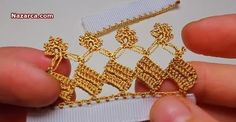 This Pin was discovered by ayş Crochet Borders, Needle Lace, Embroidery Jewelry, Chrochet, Baby Booties, Knitting Patterns, Diy And Crafts, Floral, Gold