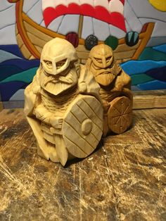 Wood Carving Art, Wood Carvings, Wood Art, Viking Ornament, Whittling Wood, Wooden Statues, Chess Sets, Wooden Hearts, Wood Sculpture