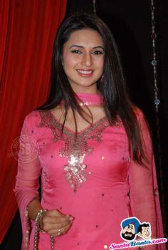Divyanka Tripathi at Zee Rishtey Awards