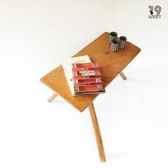 Soon on www.19west.de: a coffee table in the manner of George Nakaskima. #19west #designklassiker #designclassic #vintage #retro #möbeldesign #modern #midcenturymodern #fifties #interior #interiordesign #tables #tisch