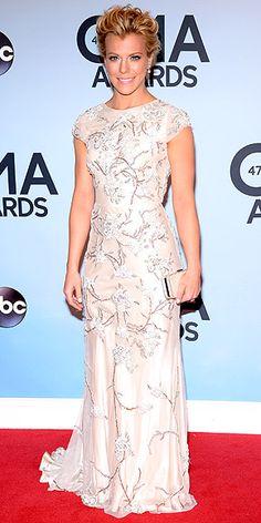 Kimberly Perry in Johanna Johnson at the 2013 Country Music Association Awards, 7 November 2013.