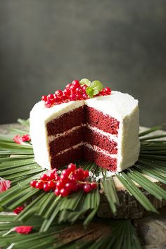 RED VELVET LAYER CAKE DE COCO | Sweet And Sour