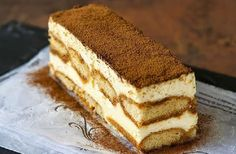Tiramisu---another one of my fav desserts. Köstliche Desserts, Dessert Recipes, Easy Dinner Party Recipes, Vegetarian Cake, Pound Cake Recipes, Let Them Eat Cake, Italian Recipes, Love Food, Sweet Treats