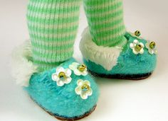 Puppen Hausschuhe / Schuhe nähen - How to Make Tiny Slipper Shoes for Dolls - Patterns Included!
