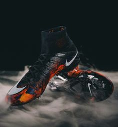 Nike women's running shoes are designed with innovative features and technologies to help you run your best, whatever your goals and skill level. Best Soccer Shoes, Football Shoes, Nike Football, Nike Shoes, Shoes Sneakers, Superfly, Only Fashion, Soccer Cleats, Ronaldo