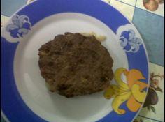 Receita de Hamburguer Caseiro - 1 kg de carne moída (de sua preferência), 1 ovo inteiro, 1 pacote de creme de cebola (instantâneo), Sal a gosto