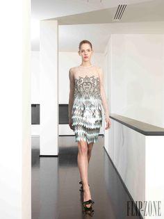 Dany Atrache - Alta-Costura - Primavera-Verão 2014 - http://pt.flip-zone.com/fashion/couture-1/independant-designers/dany-atrache-4510