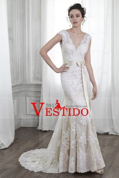 2015 Tulle V-cuello de la boda vestidos de sirena con apliques Y Sash