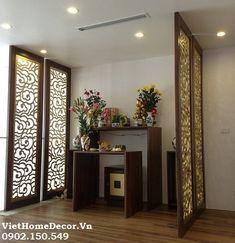 Cách đặt bàn thờ và những điều cần lưu ý Chinese Interior, Indian Home Interior, Altar Design, Hall Room, Living Room Partition, Room Divider Doors, Pooja Room Design, Indian Living Rooms, Puja Room
