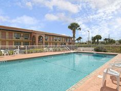 Days Inn And Suites Orlando Ucf Research Park Florida 32817 Upto 25 Packages On Hotels Near By Attractions Include