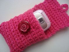 Mobile phone cover Love Crochet, Crochet Gifts, Learn To Crochet, Beautiful Crochet, Diy Crochet, Crochet Phone Cover, Crochet Mobile, Easy Crochet Projects, Free Pattern