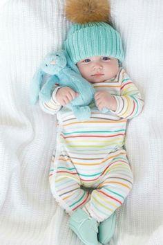 Enxoval: Saiba qual a melhor roupa para usar no recém nascido!2