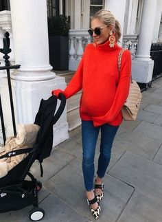 15 Maternity Sweater Outfits To Look Stylish - Styleoholic Winter Maternity Outfits, Stylish Maternity, Maternity Tops, Maternity Wear, Maternity Dresses, Maternity Fashion, Maternity Style, Maternity Clothing, Fashion Maman
