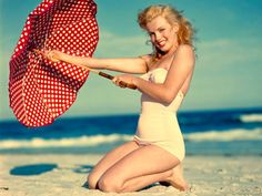 Marilyn with an umbrella