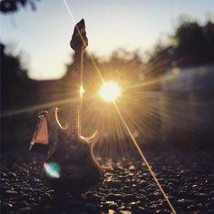 New photo online Allen einen schönen Abend  #musicphotography #guitar - #guitarplayer #guitarist #gutenabend #enjoytheevening #sunsetlover #sunsetlover #sonnenuntergang #sonnenuntergang #potsdam #babelsberg Hope you like it