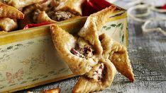 Nämä rukiiset joulutortut maistuvat pikkusuolaisena esimerkiksi glögin kanssa. Rahkavoitaikina sopii toki myös perinteisiin luumutorttuihin.