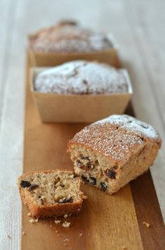 The Crazy Kitchen: Mini Christmas Mincemeat Loaves Small Desserts, Just Desserts, Delicious Desserts, Mini Christmas Cakes, Christmas Baking, Christmas Foods, Christmas Crafts, Mincemeat Cake Recipe, Baking Recipes