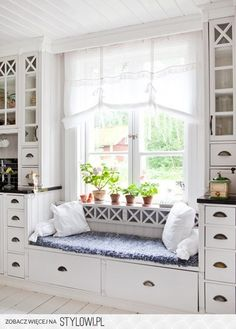 kitchen window seat.