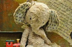 I had an elephant rather than a teddy bear when I was young --dElephant Doll by Diana Yunusov Elephant Pattern, Elephant Love, Elephant Art, Antique Toys, Vintage Toys, Baby Doll Toys, My Teddy Bear, Stuffed Animal Patterns, Plush Animals
