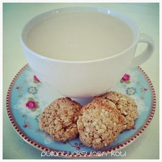 Pullantuoksuinen koti: Kaurahattarat - terveellisemmät keksit Healthier oat cookies